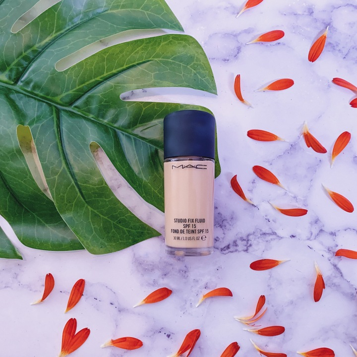 MAC Foundation Review: MAC Studio Fix Fluid SPF15 Review