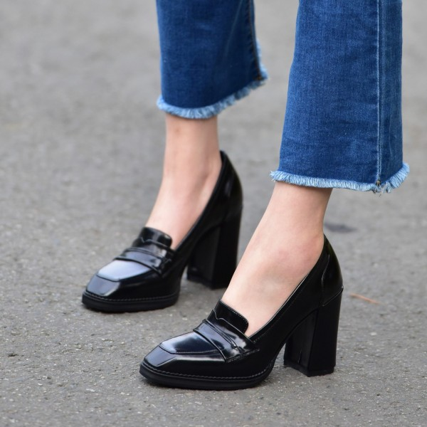 black_vintage_heels_square_toe_patent_leather_block_heel_pumps